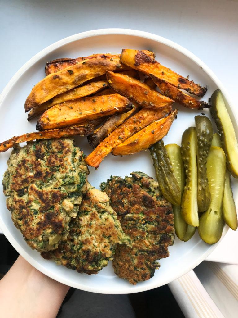 kotlety z białek fasoli - cały obiad
